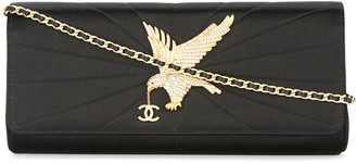 Chanel Pre Owned 2000-2002 eagle quilted CC chain clutch shoulder bag