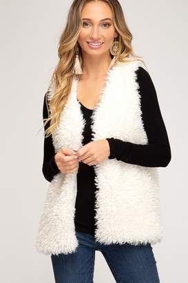 She & Sky SLEEVELESS FAUX FUR VEST WITH POCKETS