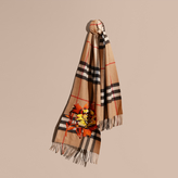 Burberry The Classic Cashmere Scarf with Embroidered Peony Rose