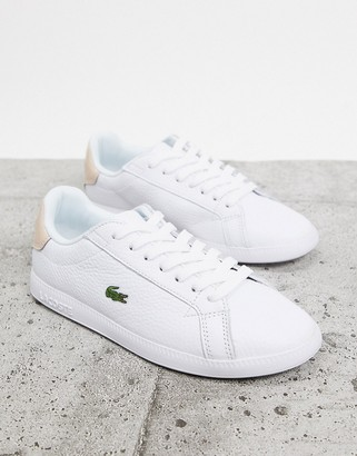 Lacoste Graduate 120 trainers in white with pink back tab