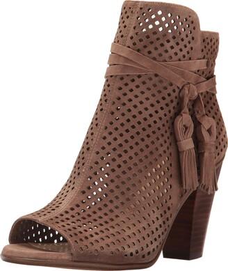 Bernardo Women's TACI Flat Sandal