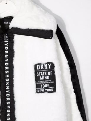 DKNY TEEN logo-patch faux-fur coat