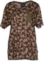 Wesc T-shirts - Item 37694958