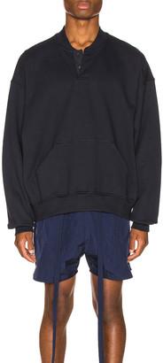 Fear Of God Everyday Henley Sweatshirt in Navy | FWRD
