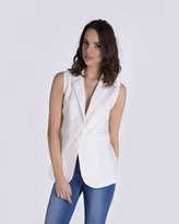 Missy Empire Nicky White Sleeveless Blazer
