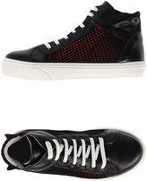 Innue' Sneakers