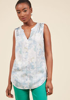 Creative Contribution Sleeveless Top in Maps in 1X