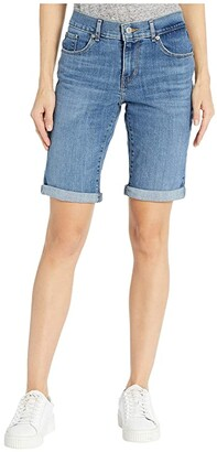 Levi's(r) Womens Bermuda Shorts (Island Rinse) Women's Shorts