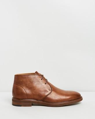 Double Oak Mills Hayes Leather Chukka Boots