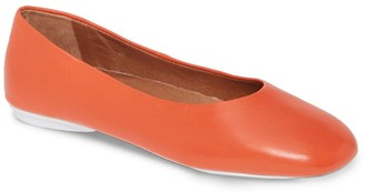 Gentle Souls by Kenneth Cole Eugene Travel Leather Ballet Flat