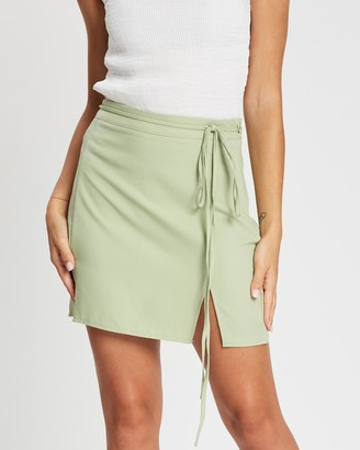 Missguided Belted Slit Front Mini Skirt