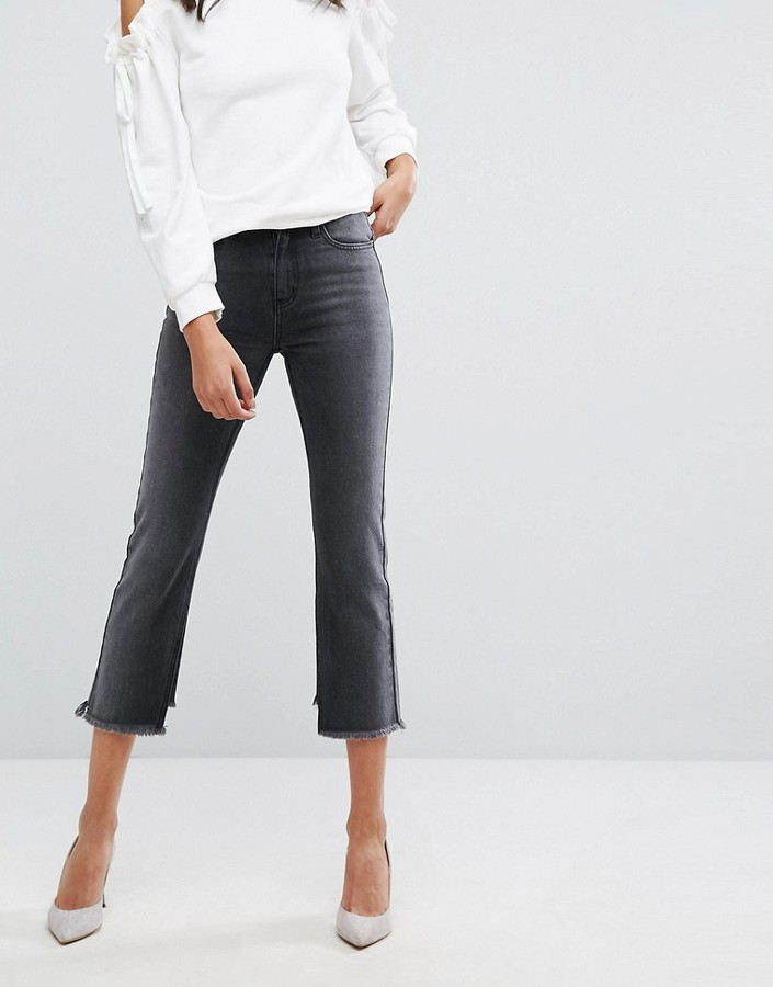 EVIDNT High Rise Crop Mom Jeans with Frayed Hem