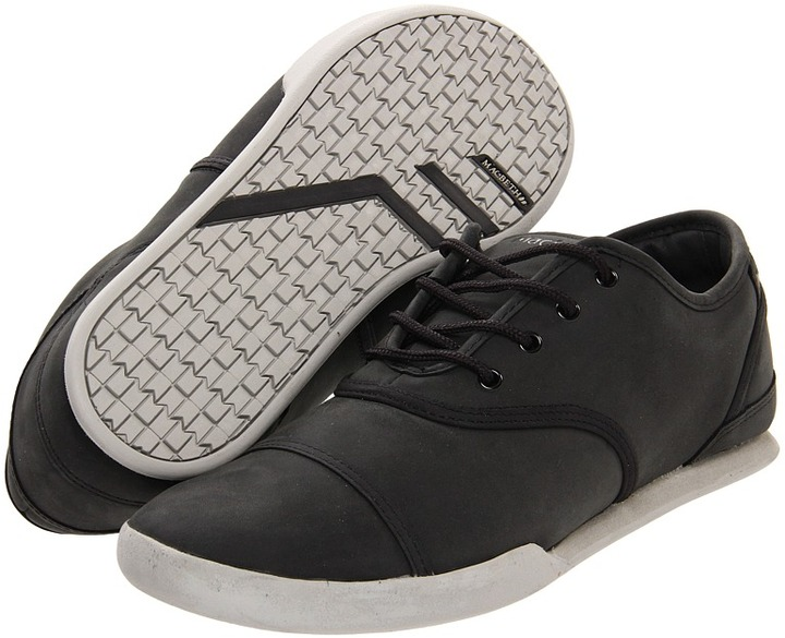 Macbeth Gatsby (Black/Grey/Oiled Nubuck) - Footwear