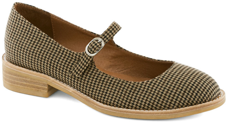 Jeffrey Campbell Amuse-Mint Park Flat in Houndstooth