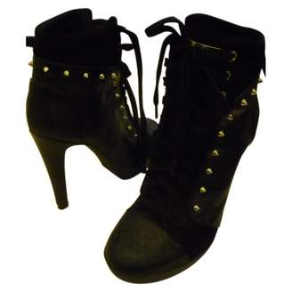 GUESS \N Black Leather Ankle boots