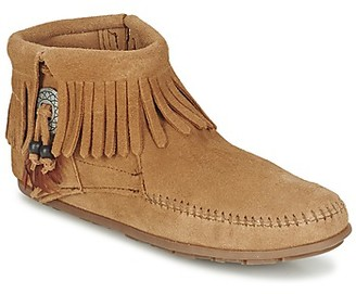 Minnetonka CONCHO FEATHER BOOT women's Mid Boots in Brown