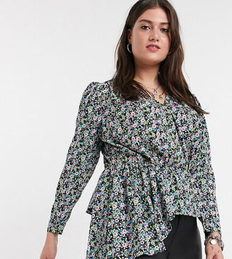 Only Curve blouse with asymmetric hem in black floral