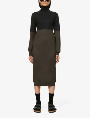 Frenckenberger Two-tone turtleneck cashmere midi dress