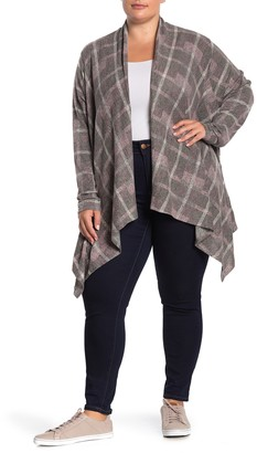 Bobeau Sharkbite Hem Plaid Cardigan (Plus Size)