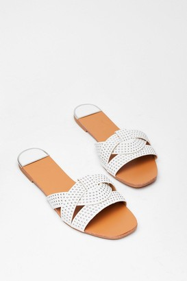 Nasty Gal Womens Stud Never Look Back Faux Leather Flat Sandals - White - 4