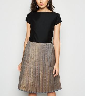 New Look Nesavaali Metallic Jacquard Pleated Dress