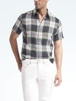 Camden-Fit Bold Plaid Linen Short-Sleeve Shirt