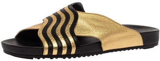 Fendi Gold Edition Black/Gold Leather Wave Pattern Flat Slides Size 39