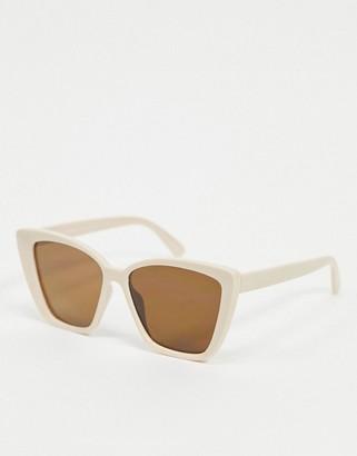A. J. Morgan AJ Morgan oversized cat eye sunglasses in pink