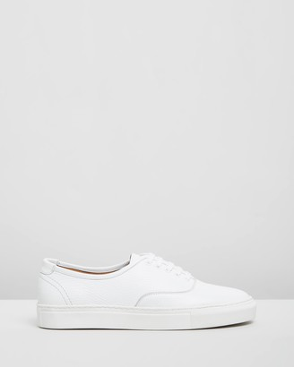Double Oak Mills Stacey Leather Sneakers
