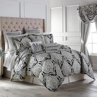 Croscill Dianella 4 Piece Comforter Set, 1 Queen Comforter 2 Standard