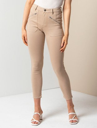 Forever New Leah Mid-Rise Cargo Jeans - Stone Sateen - 10