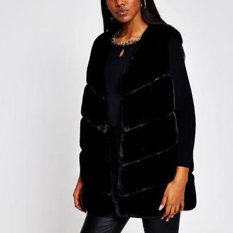 River Island Womens Black panelled faux fur gilet