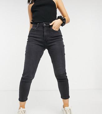 Vero Moda Petite mom jeans in black