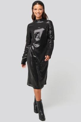 NA-KD High Neck Straight Sequins Dress
