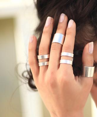 YUSHI Women's Rings ANTIQUE - Silvertone Open-Contrast Ring Set