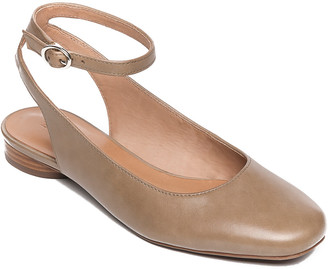 Bernardo Ellie Leather Flat