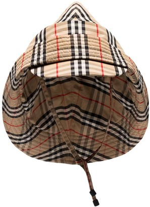 Burberry Vintage Check rain hat