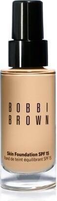 Bobbi Brown Skin Foundation Spf 15 In Honey