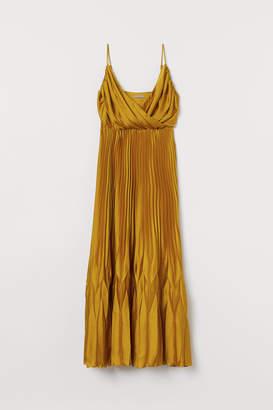 H&M H&M+ Pleated satin dress