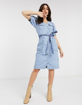 Levi's Bryn denim dress in lightwash blue