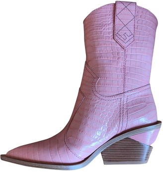Fendi Cowboy Pink Leather Ankle boots