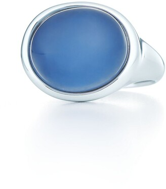 Tiffany & Co. Elsa Peretti Cabochon ring in silver with a blue chalcedony - Size 6