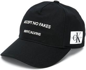 Calvin Klein Kids slogan detail cap