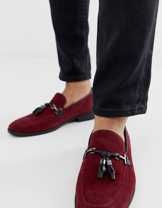 Asos Design DESIGN loafers in burgundy faux suede with tassel-Red