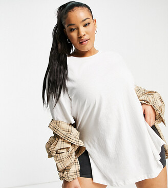 ASOS DESIGN Curve textured longline T-shirt with side splits in white