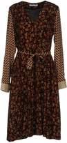 Caractere Knee-length dresses - Item 34732011
