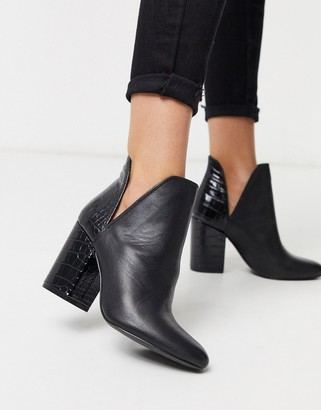 Steve Madden heeled two part ankle boot in black leather