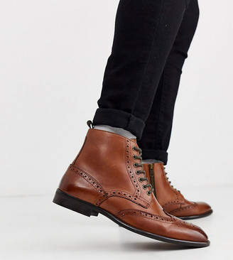 Asos Design DESIGN Wide Fit brogue boots in tan leather with natural sole