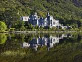 Art.com Kylemore Abbey reflected in lake Photographic Print By Doug Pearson - 23x30 cm