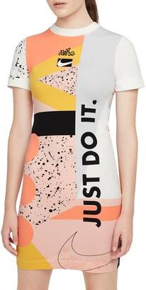 Nike Essential Rad Dress